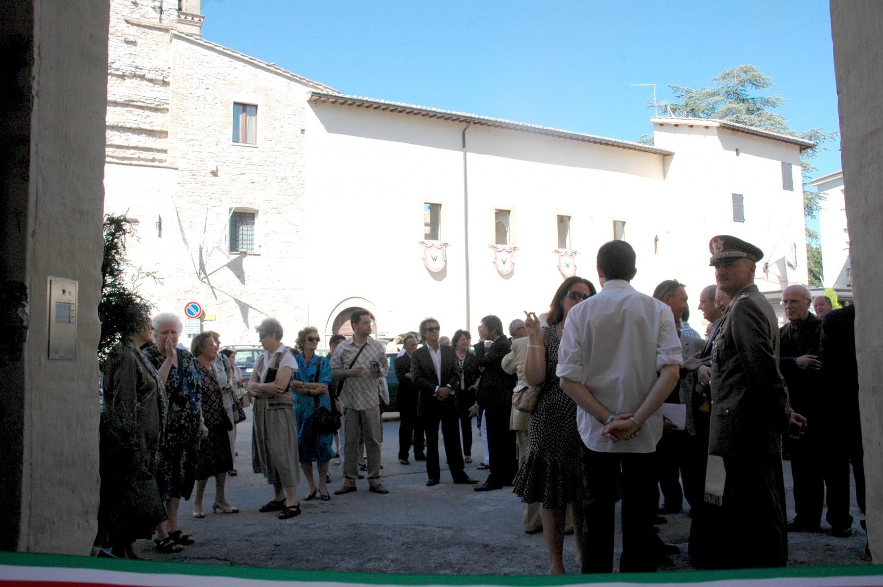 21 giugno 2008. In piazza S. Giacomo la folla in attesa