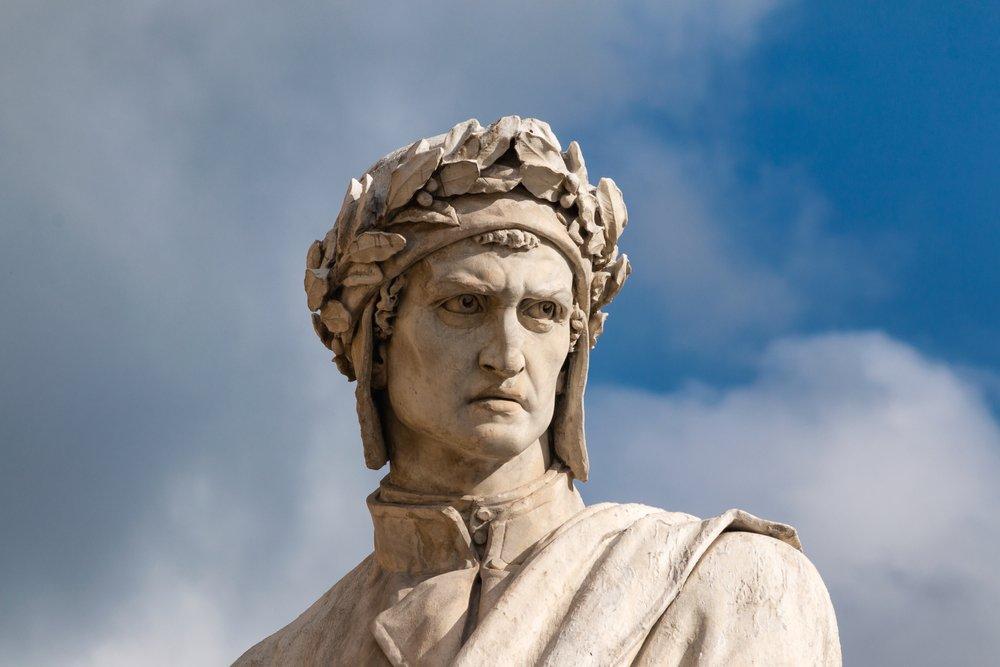 dante-alighieri-statua